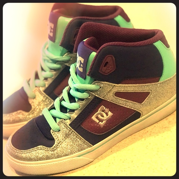 DC Shoes | High Tops Girls Size 3